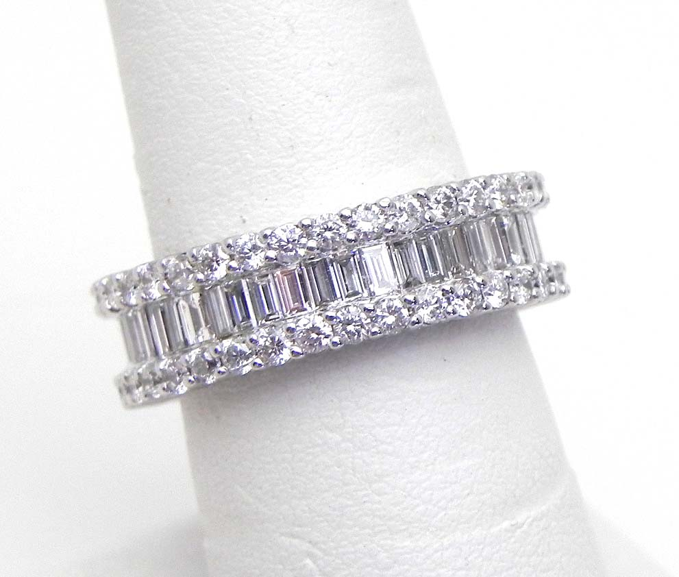 Ladies 18k W Gold 318 Cts Round Amp Baguette Diamonds Eternity Band Ring 6 3 4