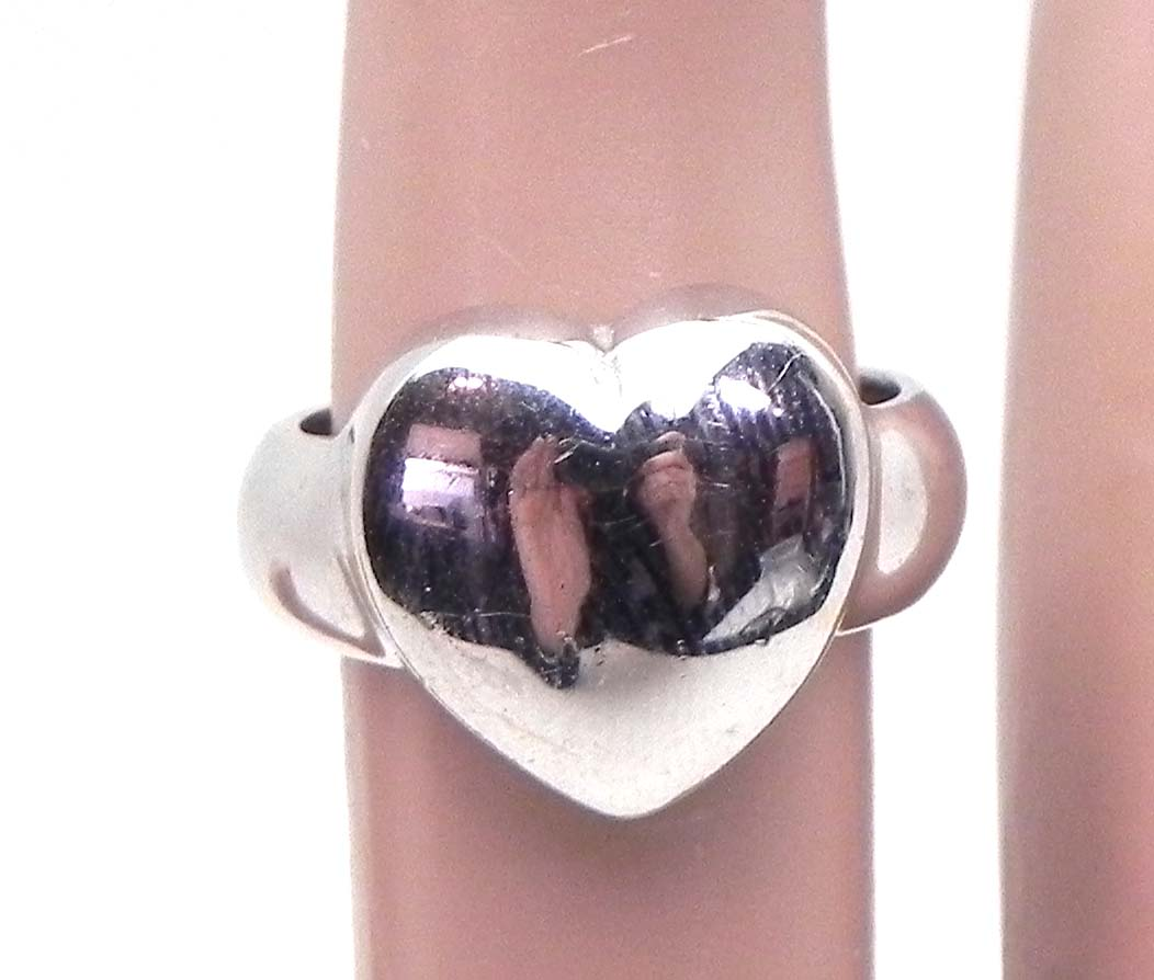 Ladies 14k White Gold Heart Ring Bright Jewelers