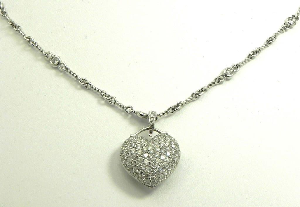 ladies 18k white gold pave diamonds heart pendant. Black Bedroom Furniture Sets. Home Design Ideas
