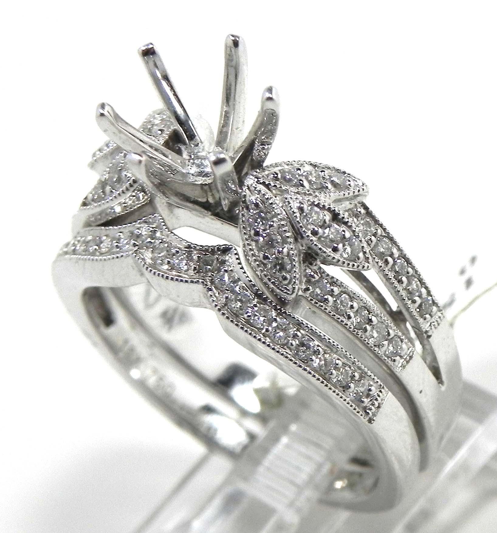 La s 18k White Gold Diamonds Semi Mount & Wedding Band Set