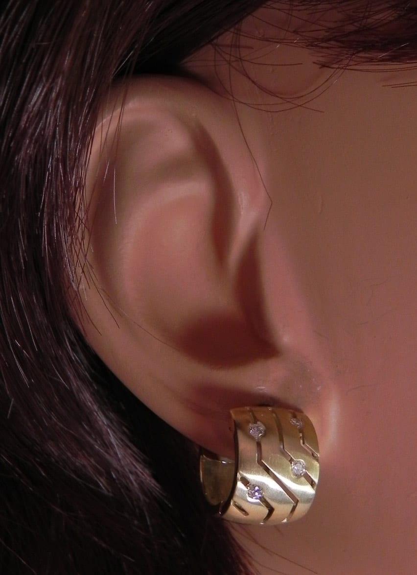 Las 14k Yellow Gold Diamonds Hoop Huggie Earrings