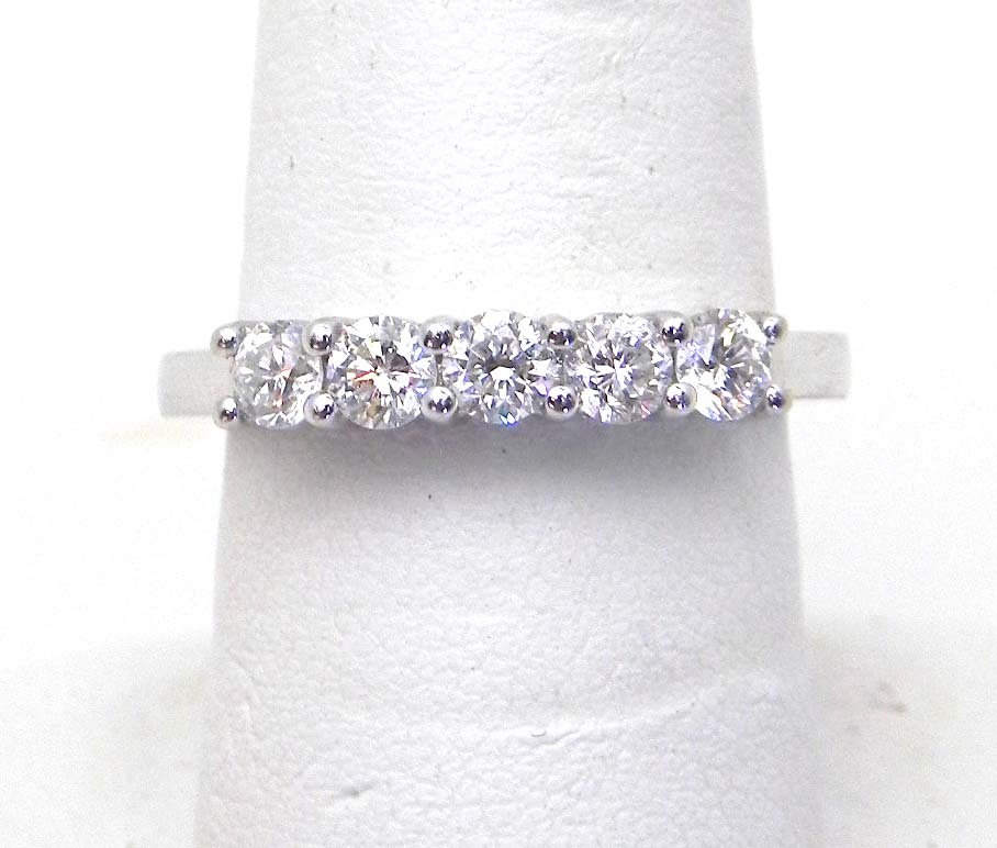 5 Carat Diamond Ring Size