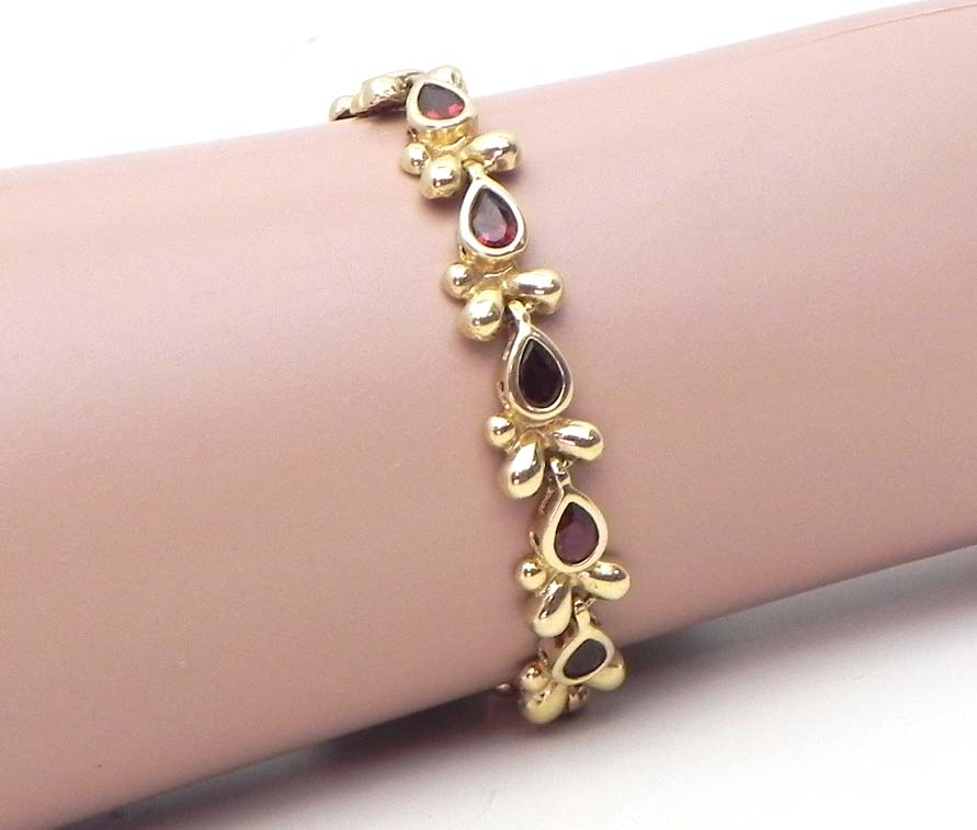 Ladies 14k Yellow Gold Pear Shaped Garnet Floral Design ...